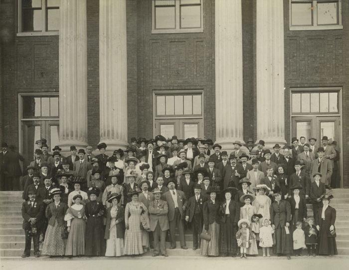 1909 Auditorium group photo